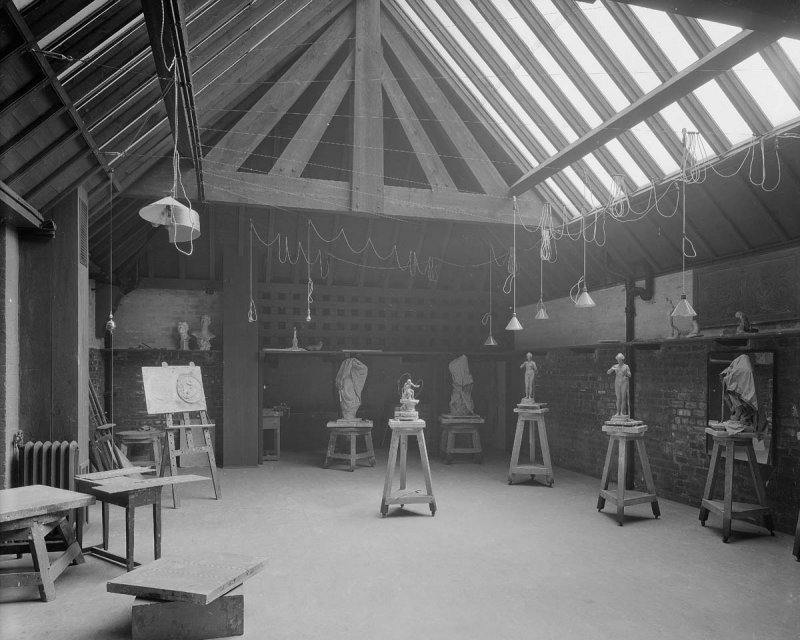 ©HES. 1910 Photograph of Basement Studio 11 taken by Bedford Lemere.