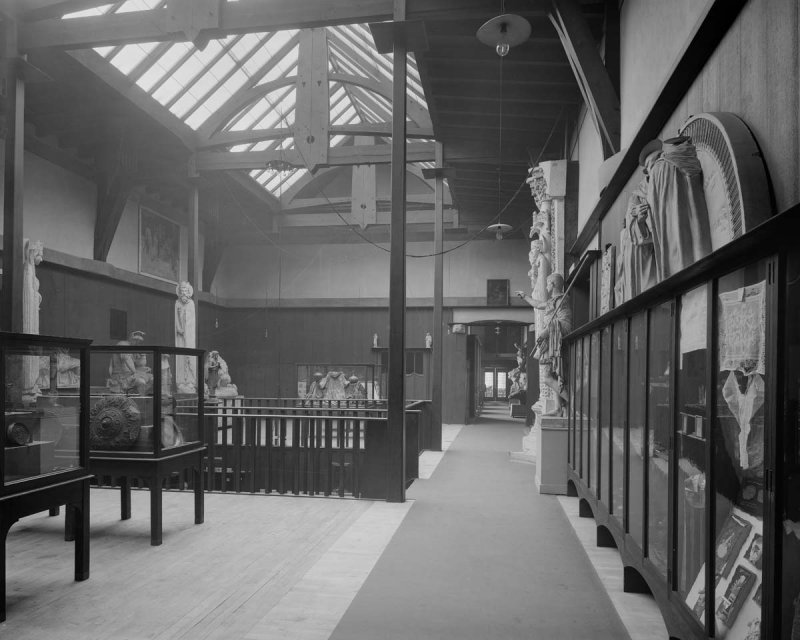 ©HES. 1910 Photograph of the Museum taken by Bedford Lemere.