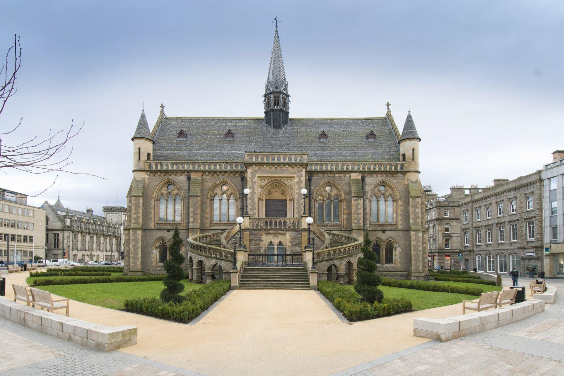 The McManus & Albert Square, Dundee