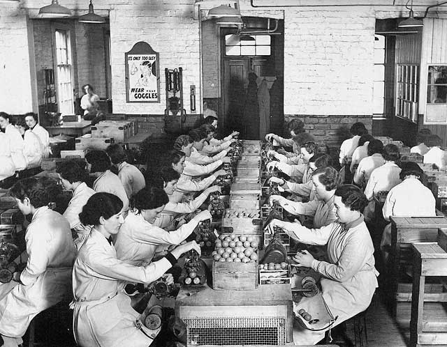Golf balls in production, 1900