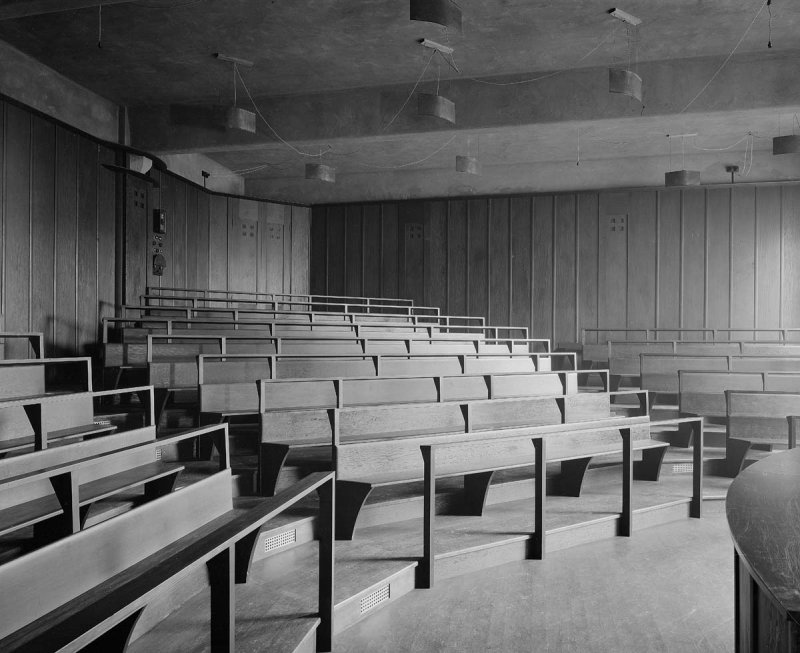 ©HES. 1910 Photograph of the Lecture Theatre taken by Bedford Lemere.