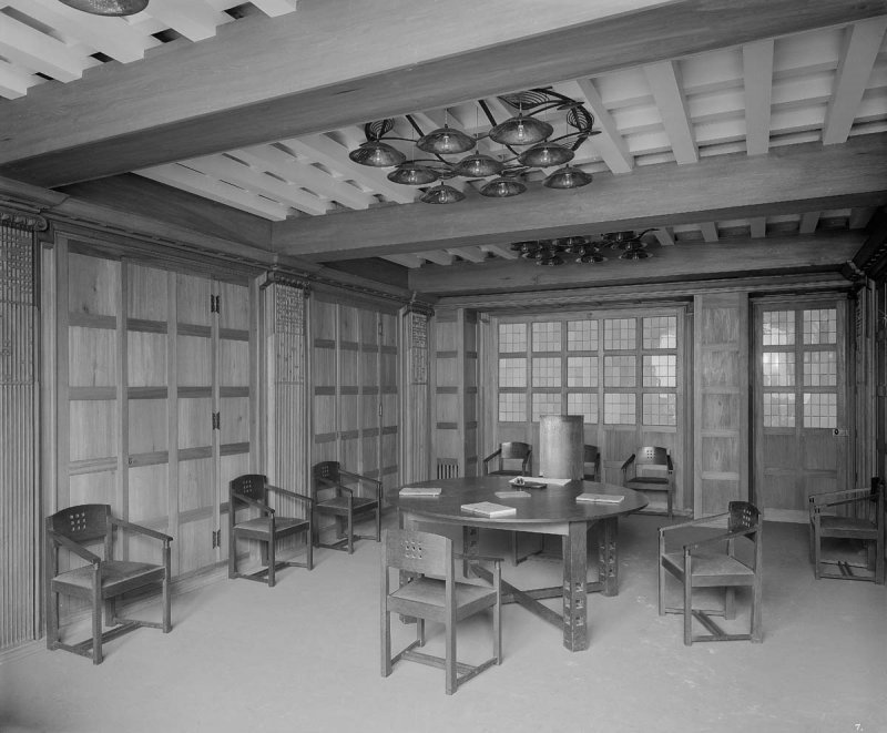 ©HES. 1910 Photograph of the Board Room taken by Bedford Lemere.