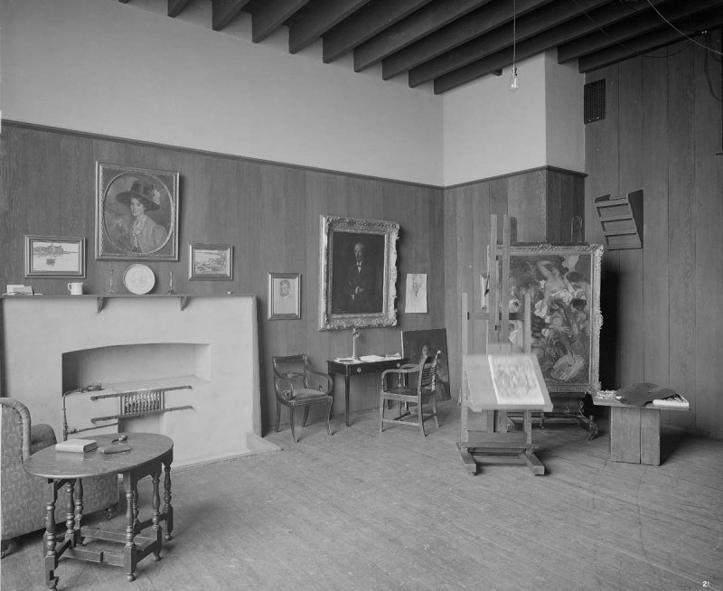 ©HES. 1910 Photograph of the Professors Studio taken by Bedford Lemere.