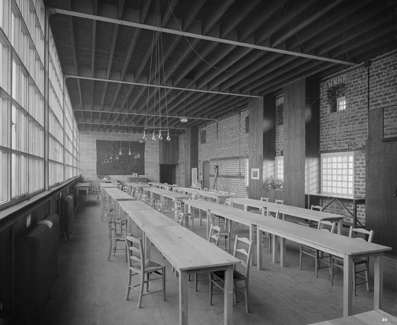 ©HES. 1910 Photograph of the attic studio taken by Bedford Lemere.